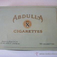 Cajas y cajitas metálicas: ANTIGUA CAJA DE LATA CIGARRILLOS ABDULLA, 50 CIGARRILLOS, RARA. Lote 29211436