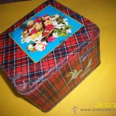 Cajas y cajitas metálicas: CAJA METALICA ANTIGUA. Lote 31114821