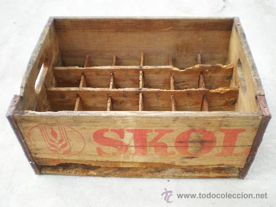 Antigua caja madera de cerveza skol para 24 b comprar - Caja madera antigua ...