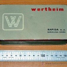 Cajas y cajitas metálicas: CAJA DE HOJALATA DE MAQUINAS DE COSER WERTHEIM - BIEN CONSERVADA. Lote 34393141