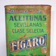Cajas y cajitas metálicas: LATA ACEITUNAS SEVILLANAS *FIGARO* CLASE SELECTA, BRUGUIER Y TRUJILLO, SEVILLA, AÑOS 30, 19X12X7 CM.. Lote 34394103