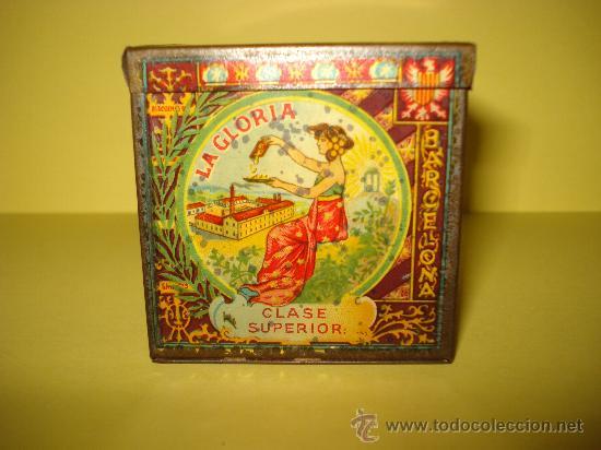 Cajas y cajitas metálicas: Antigua Caja en Hojalata Litografiada de *LA GLORIA* Bizcochos y Galletas Barcelona - Año 1920s. - Foto 4 - 34473933