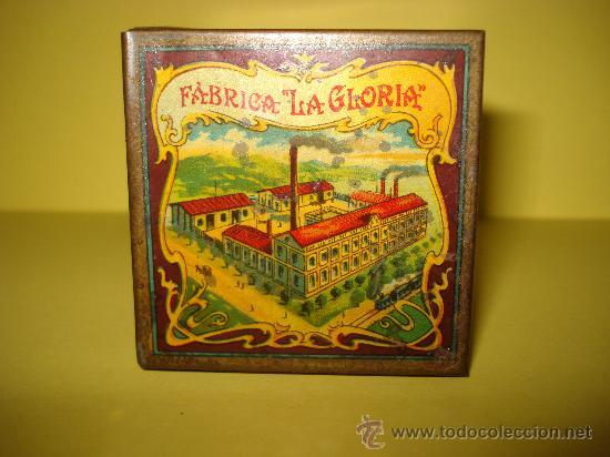 Cajas y cajitas metálicas: Antigua Caja en Hojalata Litografiada de *LA GLORIA* Bizcochos y Galletas Barcelona - Año 1920s. - Foto 7 - 34473933