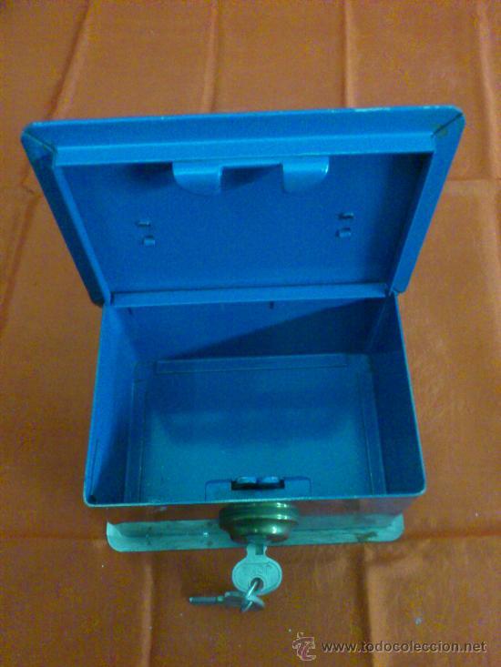 Antigua caja de caudales peque a con llaves d comprar for Caja de caudales
