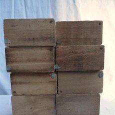 Cajas y cajitas metálicas: LOTE DE 10 CAJITAS DE MADERA PARA ANTIGUOS BOTELLINES DE MEDICAMENTO.. Lote 135605533