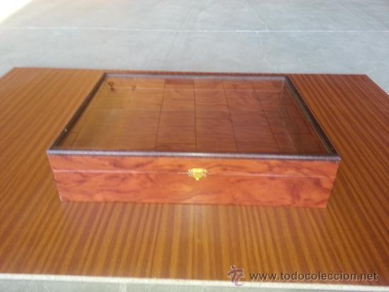 bonita caja de madera con tapa de cristal guarde aqu sus