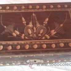 Cajas y cajitas metálicas: PRECIOSA CAJA DE MADERA, CON DIBUJOS TALLADOS. JOYERO.. Lote 37593339