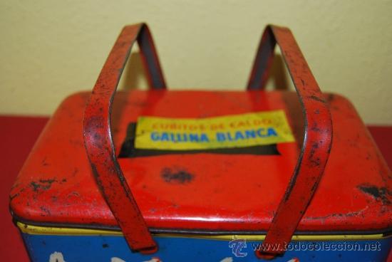 Cajas y cajitas metálicas: LATA LITOGRAFIADA CON ASAS - CUBITOS DE CALDO GALLINA BLANCA - G. DE ANDREIS, BADALONA - AÑOS 50 - Foto 3 - 37617755