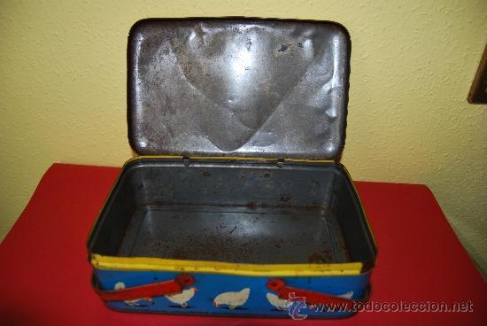 Cajas y cajitas metálicas: LATA LITOGRAFIADA CON ASAS - CUBITOS DE CALDO GALLINA BLANCA - G. DE ANDREIS, BADALONA - AÑOS 50 - Foto 11 - 37617755