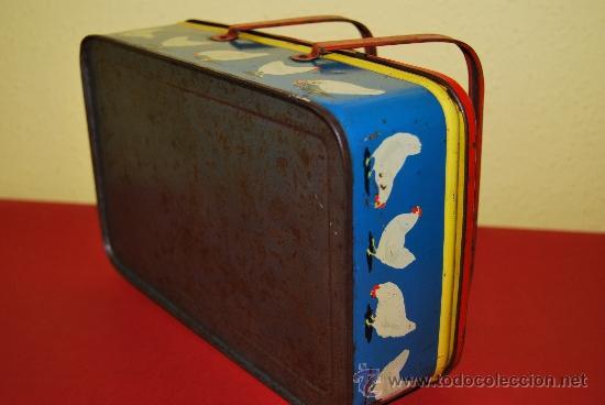 Cajas y cajitas metálicas: LATA LITOGRAFIADA CON ASAS - CUBITOS DE CALDO GALLINA BLANCA - G. DE ANDREIS, BADALONA - AÑOS 50 - Foto 14 - 37617755