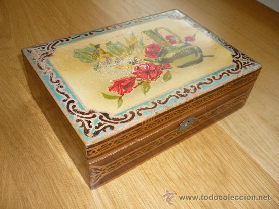 caja de madera tapa decorada con espejo x x cm