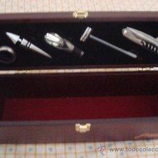 Cajas y cajitas metálicas: ELEGANTE SET DE CAJA Y ARTÍCULOS PARA VINO . Lote 39242045