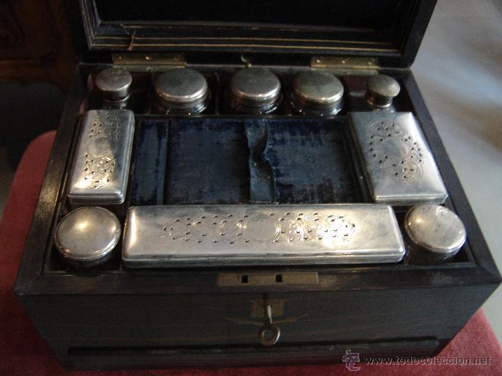 Cajas y cajitas metálicas: ESPECTACULAR CAJA-NECESER DE VIAJE MUY ANTIGUA - Foto 2 - 39445352