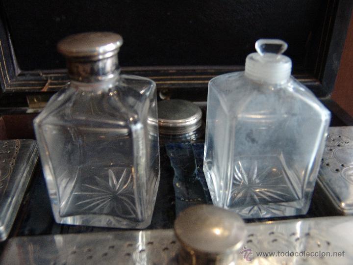 Cajas y cajitas metálicas: ESPECTACULAR CAJA-NECESER DE VIAJE MUY ANTIGUA - Foto 10 - 39445352