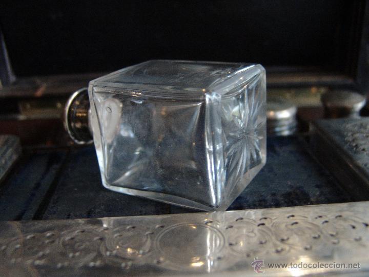 Cajas y cajitas metálicas: ESPECTACULAR CAJA-NECESER DE VIAJE MUY ANTIGUA - Foto 11 - 39445352
