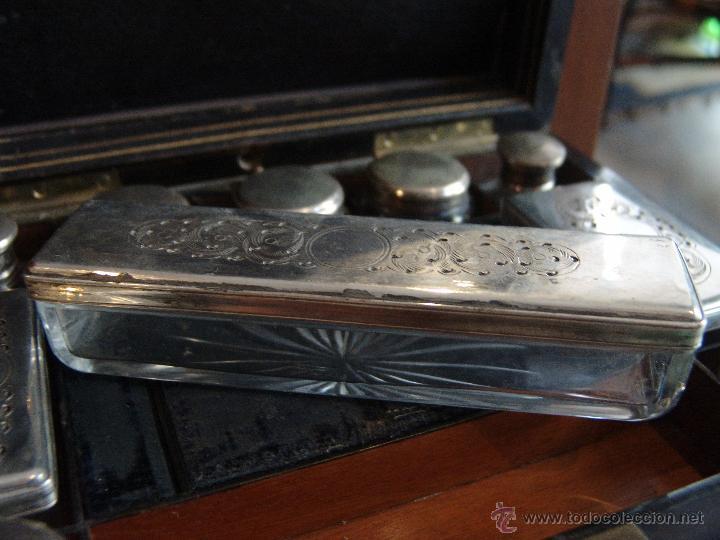 Cajas y cajitas metálicas: ESPECTACULAR CAJA-NECESER DE VIAJE MUY ANTIGUA - Foto 12 - 39445352