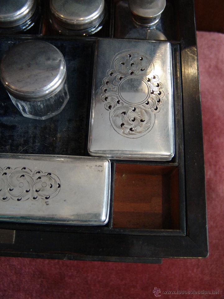 Cajas y cajitas metálicas: ESPECTACULAR CAJA-NECESER DE VIAJE MUY ANTIGUA - Foto 15 - 39445352