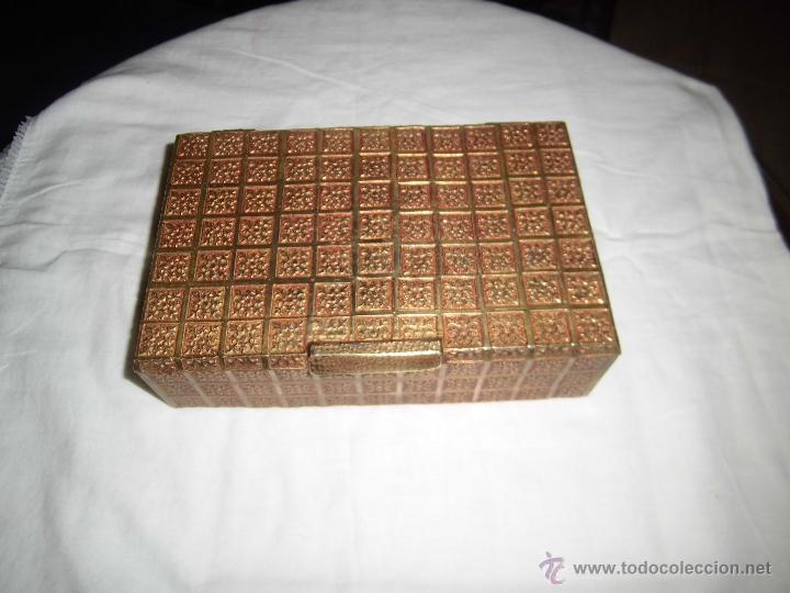 Cajas y cajitas metálicas: ANTIGUA CAJA DE BRONCE INTERIOR FORRADO EN MADERA - Foto 3 - 39767784