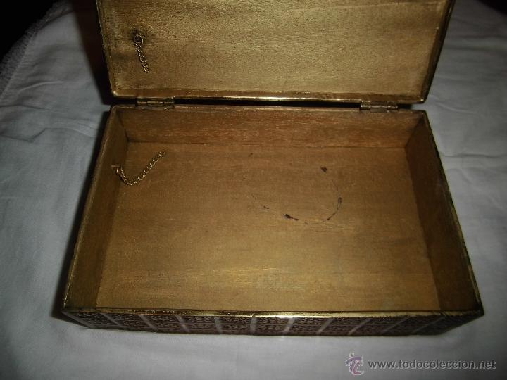 Cajas y cajitas metálicas: ANTIGUA CAJA DE BRONCE INTERIOR FORRADO EN MADERA - Foto 7 - 39767784