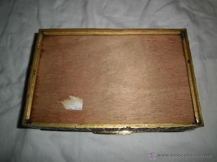Cajas y cajitas metálicas: ANTIGUA CAJA DE BRONCE INTERIOR FORRADO EN MADERA - Foto 11 - 39767784