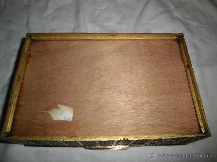 Cajas y cajitas metálicas: ANTIGUA CAJA DE BRONCE INTERIOR FORRADO EN MADERA - Foto 12 - 39767784