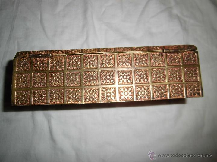 Cajas y cajitas metálicas: ANTIGUA CAJA DE BRONCE INTERIOR FORRADO EN MADERA - Foto 13 - 39767784