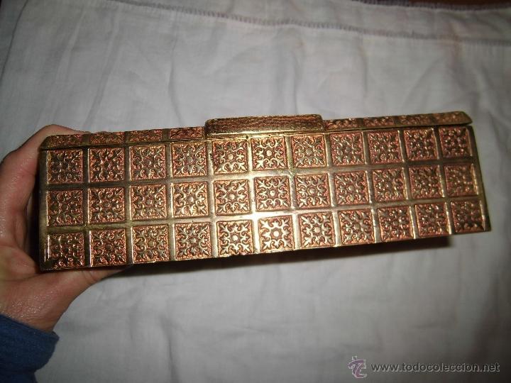 Cajas y cajitas metálicas: ANTIGUA CAJA DE BRONCE INTERIOR FORRADO EN MADERA - Foto 16 - 39767784