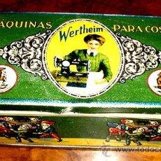 Cajas y cajitas metálicas: ANTIGUA CAJA DE HOJALATA LITOGRAFIADA CON PUBLICIDAD DE WERTHEIM . MAQUINAS PARA COSER - MIDE 15,5 X. Lote 38238796