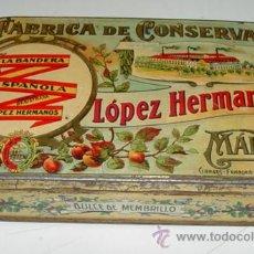 Cajas y cajitas metálicas: ANTIGUA CAJA HOJALATA LITOGRAFIADA - CON PUBLICIAD DE FABRICA DE CONSERVAS LOPEZ HERMANOS, MALAGA - . Lote 38258446