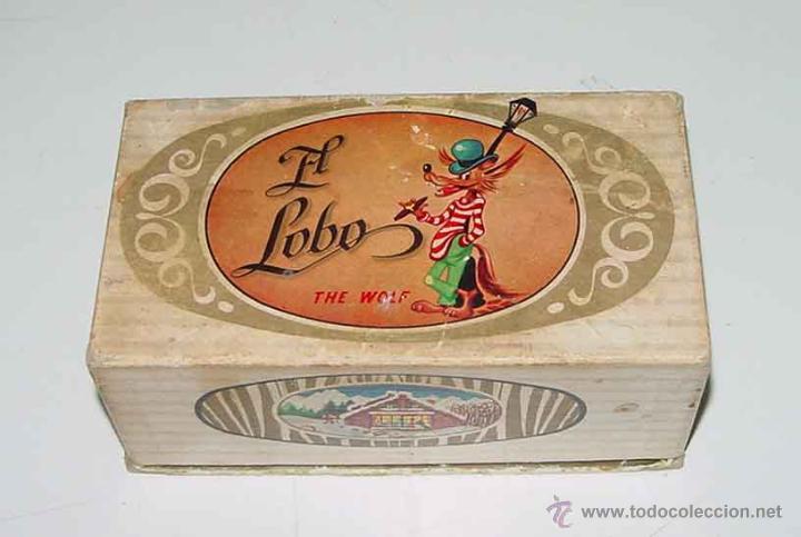 ANTIGUA CAJITA DE CARTON CON PUBLICIDAD DE TURRONES EL LOBO - HIJO DE MANUEL SOLER . JIJONA (ALICANT (Coleccionismo - Cajas y Cajitas Metálicas)