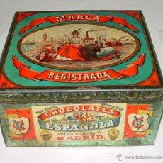 Cajas y cajitas metálicas: ANTIGUA CAJA DE HOJALATA LITOGRAFIADA CON PUBLICIDAD DE CHOCOLATES ESPAÑOLA, GRAN FABRICA MOVIDA AL. Lote 38264409
