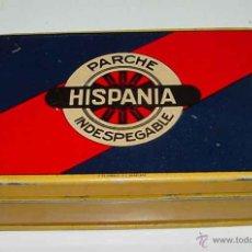 Cajas y cajitas metálicas: ANTIGUA CAJA DE HOJALATA LITOGRAFIADA CON PUBLICIDAD DE PARCHE HISPANIA INDESPEGABLE - MIDE 13 X 8 X. Lote 38264510