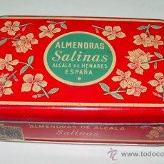 Cajas y cajitas metálicas: ANTIGUA CAJA DE HOJALATA LITOGRAFIADA CON PUBLICIDAD DE ALMENDRAS SALINAS - ALCALA DE HENARES - MIDE. Lote 38268002