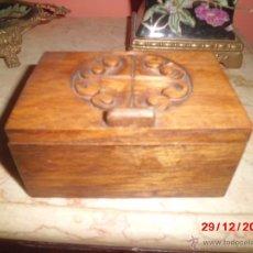 Cajas y cajitas metálicas: CAJA DE MADERA TALLADA . Lote 40773778