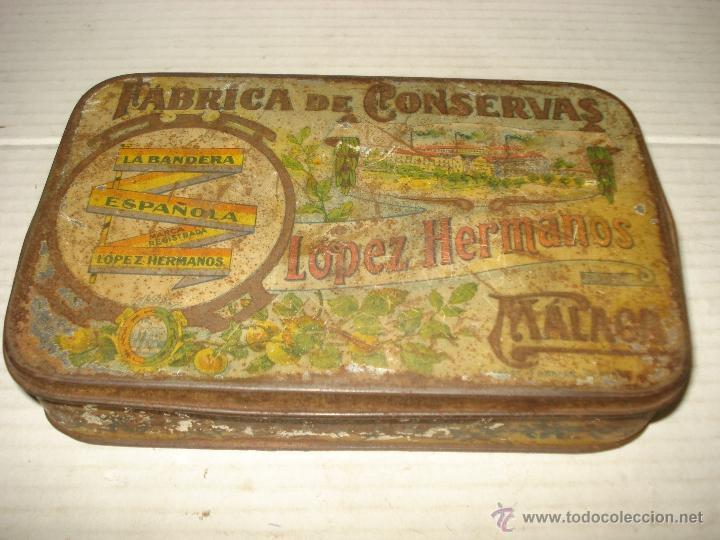 CAJA HOJALATA LITOGRAFIADA LOPEZ HERMANOS FABRICA CONSERVAS LA BANDERA ESPAÑOLA BANDERA REPUBICANA (Coleccionismo - Cajas y Cajitas Metálicas)
