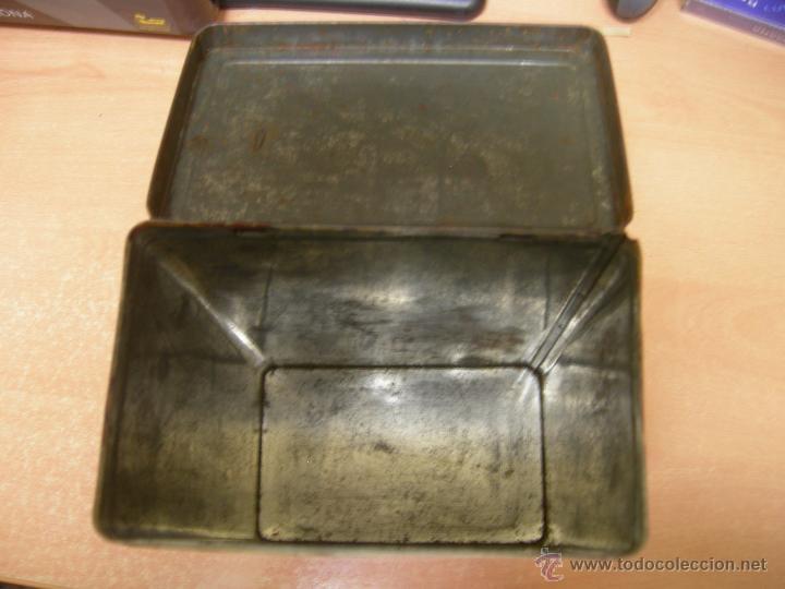Cajas y cajitas metálicas: RARA Y DIFICIL CAJA metalica DE COLA CAO DE LOS AÑOS 50/60 - serigrafiada - higos piñones - Foto 5 - 40867351