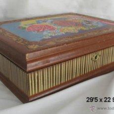 Cajas y cajitas metálicas: CAJA COSTURERO ANTIGUA MADERA ENTERAMENTE PINTADA. Lote 40943197