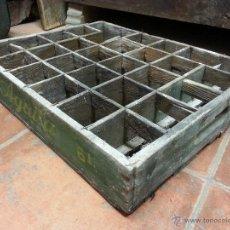 Cajas y cajitas metálicas: CAJA ORIGINAL CERVEZAS EL AGUILA. PARA DECORACIÓN DE BARES Y TABERNAS.. Lote 41427876