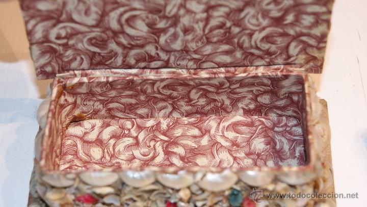 Cajas y cajitas metálicas: Caja o Cajita forrada de papel con conchas decorativas - Antigua - Foto 6 - 41817785