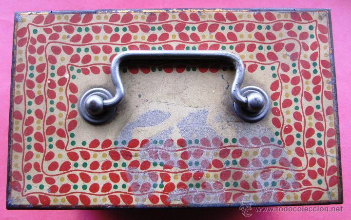 Cajas y cajitas metálicas: CAJA METÁLICA SIN MARCA COMERCIAL. CON ASA Y CIERRE PARA UN CANDADO. - Foto 2 - 41934215
