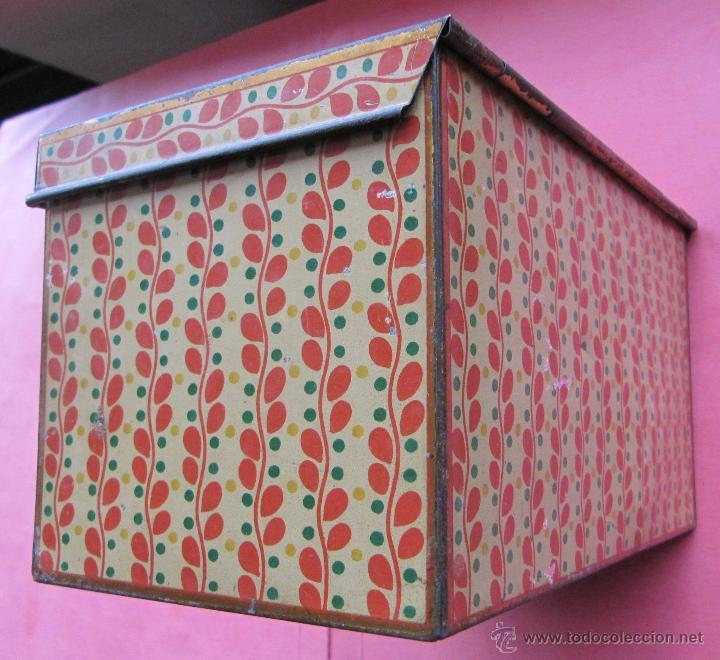 Cajas y cajitas metálicas: CAJA METÁLICA SIN MARCA COMERCIAL. CON ASA Y CIERRE PARA UN CANDADO. - Foto 4 - 41934215