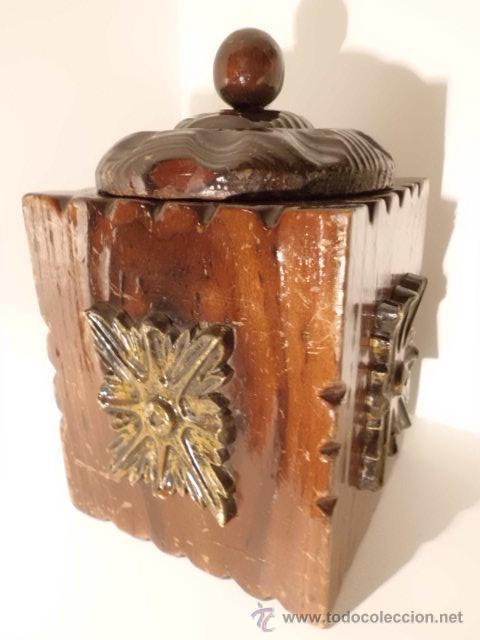 ANTIGUA CAJA DE MADERA TALLADA (Coleccionismo - Cajas y Cajitas Metálicas)