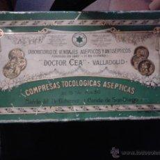 Cajas y cajitas metálicas: GRAN CAJA HOJALATA FARMACIA LABORATORIO VENDAJES DOCTOR CEA VALLADOLID PRODUCTO FARMACEUTICO. Lote 43357761