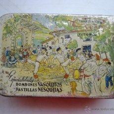 Cajas y cajitas metálicas: PRECIOSA ANTIGUA CAJA HOJALATA CONFITURAS GOYA VASQUITOS NESQUITAS SURTIDO DE BOMBONES. Lote 43932472