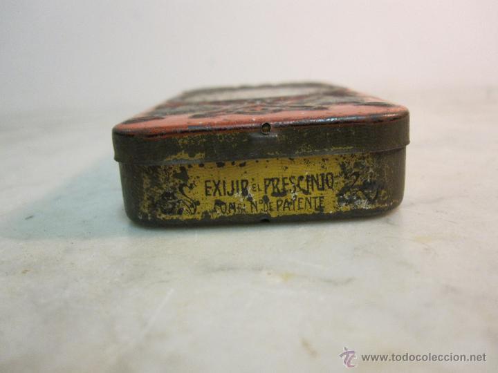 Cajas y cajitas metálicas: VIEJA CAJA METALICA CON DIBUJOS EN RELIEVE ESTILO MODERNISTA - Foto 2 - 43963427