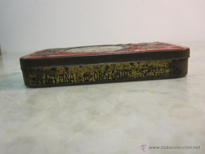 Cajas y cajitas metálicas: VIEJA CAJA METALICA CON DIBUJOS EN RELIEVE ESTILO MODERNISTA - Foto 3 - 43963427