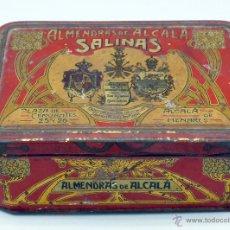 Cajas y cajitas metálicas: CAJA LATA CONFITERÍA SALINAS ALMENDRAS ALCALÁ HENARES PROVEEDOR REAL CASA Y PALACIOS APOSTÓLICOS. Lote 45261941