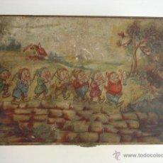 Boîtes et petites boîtes métalliques: MUY ANTIGUA CAJITA DE MADERA LOS 7 ENANITOS DE 16,3X11,5X4CM CON CIERRE Y BISAGRAS. Lote 45680843