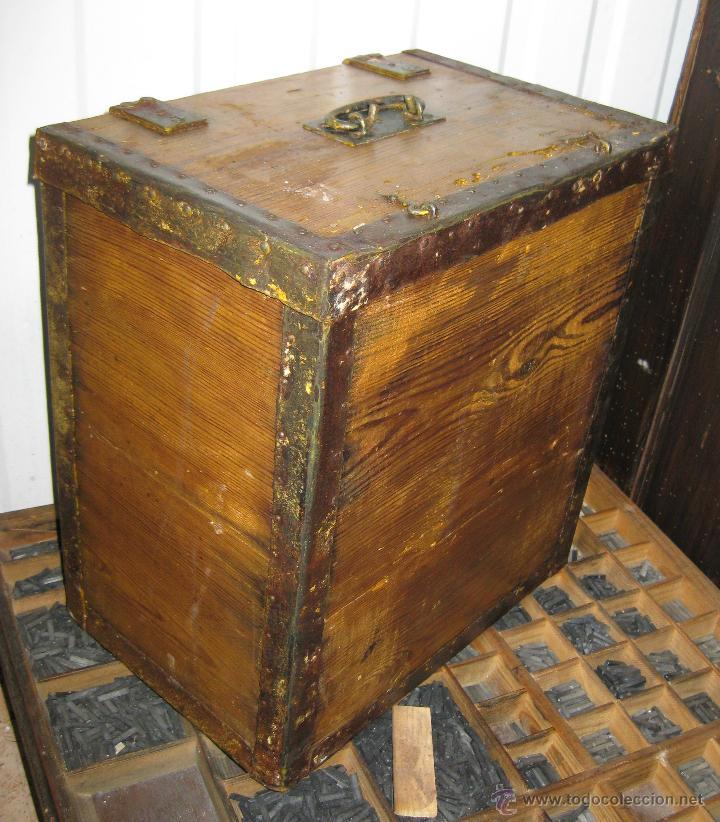 caja antigua madera y hierro industrial ideal o almacenaje
