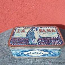 Cajas y cajitas metálicas: GRAN CAJA DE DULCE DE MEMBRILLO. LA FAMA. CHACÓN HERMANOS. S.R.C. PUENTE GENIL. Lote 46406945